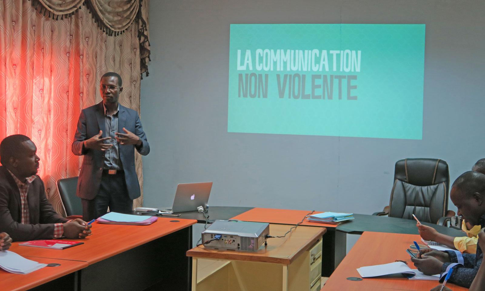 Communication Non Violente: le PAE/JF initie son personnel à une communication positive